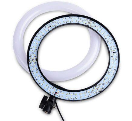 دارای لامپ LED